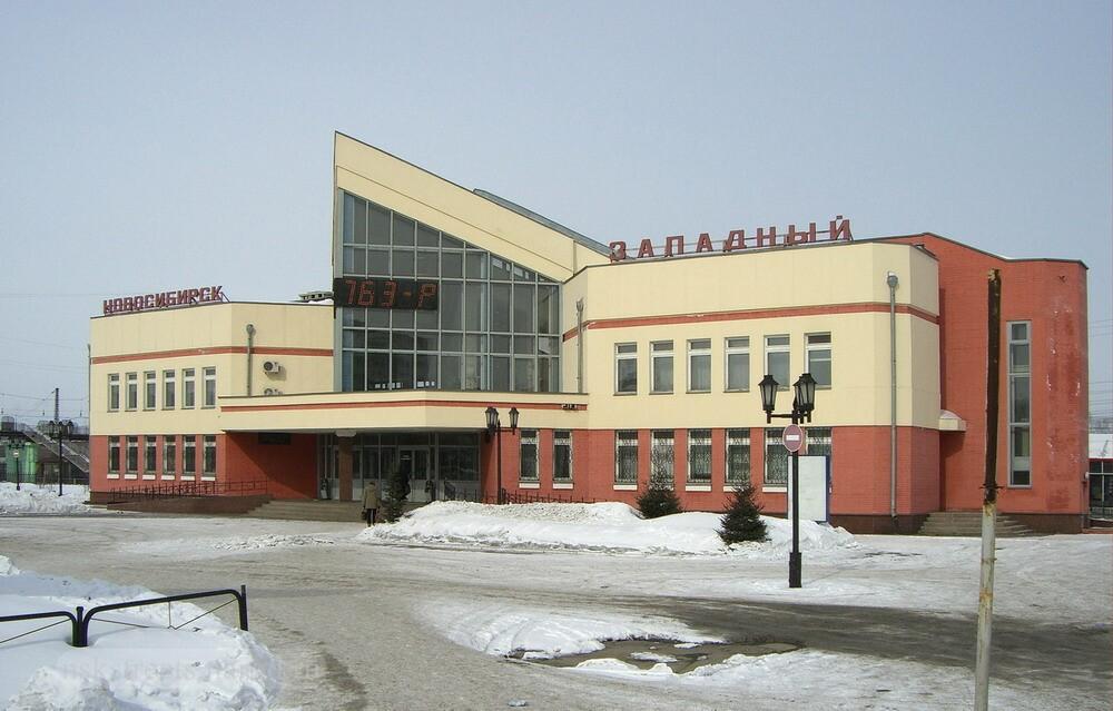 http://nskstreets.narod.ru/image02/Shirokaya_04.jpg