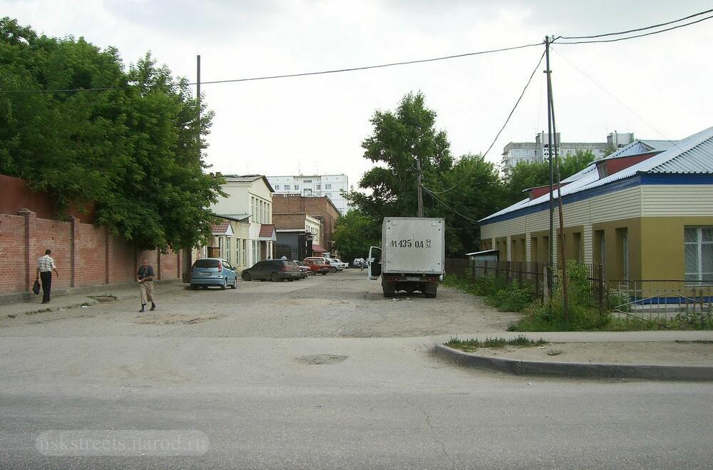 http://nskstreets.narod.ru/image14/Shirokaya_16.jpg
